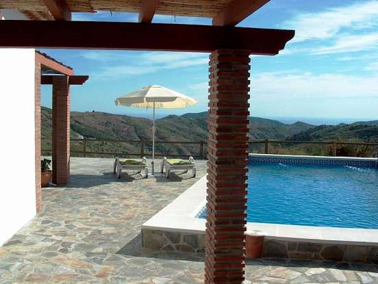 Country villa with pool and mountain views. Peace & privacy assured