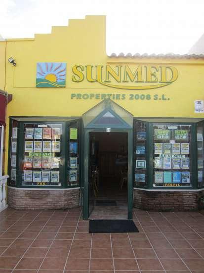 Sunmed Properties ( Vera Playa (Almería, Spanje) ) Aanbiedingen appartementen - Naturistische domeinen : Vera Natura, La Manara, Bahía de Vera, Torremar Natura, Parquevera, La Siesta, Marina Natura, Veraluz, Natsun, Natura World. Naturistisch hotel : Ver