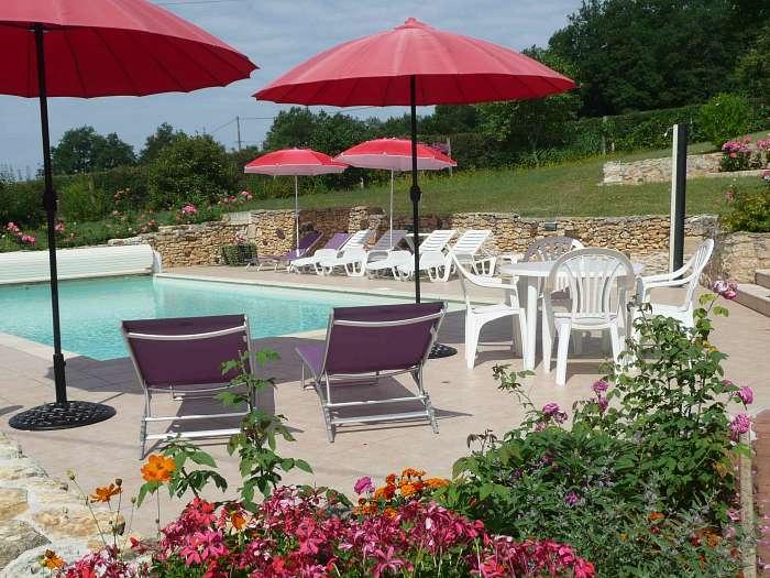 Vakantie zonder kinderen:rust, privacy, verwarmd zwembad. - Verwarmd zwembad met ruime terrassen