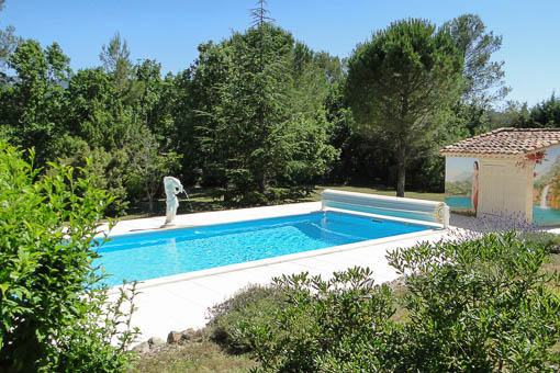 Chambres d'Hôtes Naturistes La Fenouillère - The villa with swimming pool seen from the garden - Front view of the villa - The kitchen - The living room - The room La Vie en Rose - The bathroom by room La Vie en Rose - The room Ton Pierre - The bathroom