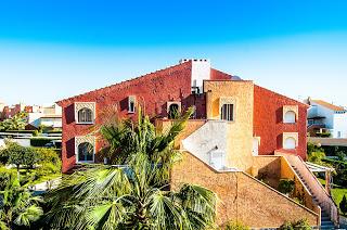Viviane Naert ( VERA PLAYA ) Aanbiedingen vakantiewoningen - Zwembad Bahía de Vera - zicht op het park Bahía de Vera - Chalet te koop in Bahía de Vera Vera Playa - Practige ligging Appartement te koop in Bahía de Vera Eerste verdieping, 2 zonnige terrass