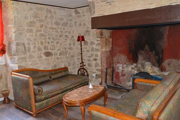 Moulin de Chez Joyeux (7) - Het slaapgedeelte van Barcarolle - De zithoek van Barcarolle, een nieuwe accommodatie op de begane grond