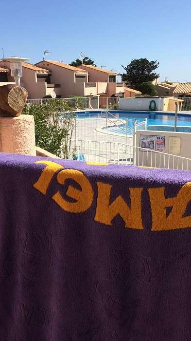 Frankrijk, Appartement aan de rand van het zwembad in Naturisten Oort -Aphrodite Village