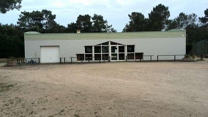 La Pinede: Club Naturiste Bretagne Sud - Holger - Das Vereins- Mehrzweckhaus