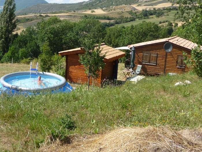 Les Routelles en Provence: Parc Résidentiel de Loisirs Naturiste (2)