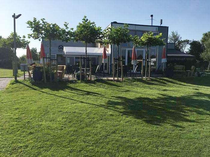 Naturisten Vereniging Hellevoetsluis camping de Brongaard - Terry & Val