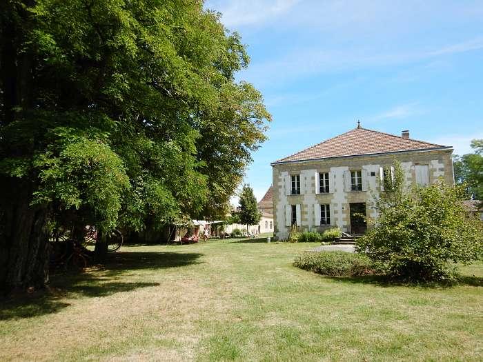 Domaine Naturiste Château Guiton - D&F