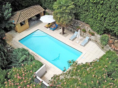 La Berle Gites, Ardèche - La Berle Gites, temidden van de kastanje boomgaarden - Overzicht zwembad La Berle Gites