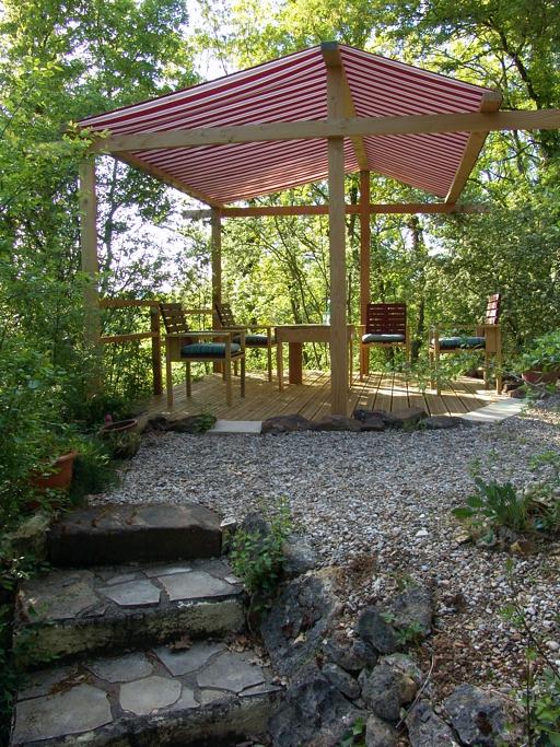 Leo Verton ( Doorwerth ) Aanbiedingen vakantiewoningen - Het huisje in het groen - Het zwembadje - Het boventerras naast het zwembadje