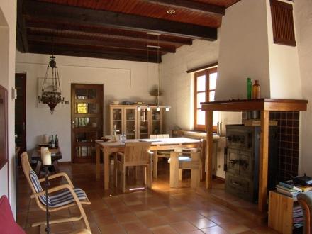 Leo Verton ( Doorwerth ) Aanbiedingen vakantiewoningen - Het huisje in het groen - Het zwembadje - Het boventerras naast het zwembadje - Woonkamer