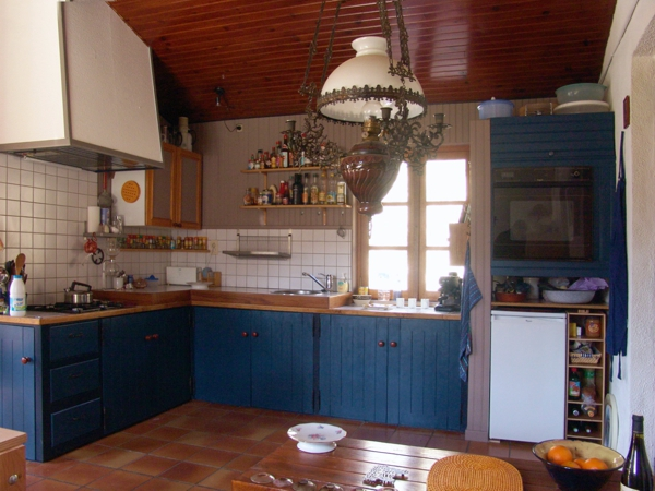 Leo Verton ( Doorwerth ) Aanbiedingen vakantiewoningen - Het huisje in het groen - Het zwembadje - Het boventerras naast het zwembadje - Woonkamer - De keuken