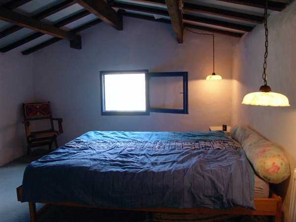 Leo Verton ( Doorwerth ) Aanbiedingen vakantiewoningen - Het huisje in het groen - Het zwembadje - Het boventerras naast het zwembadje - Woonkamer - De keuken - Beneden slaapkamer - Boven slaapkamer