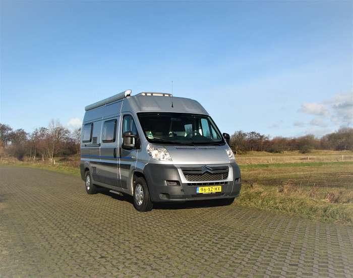 luxe bus camper 2 pers vrij 9 okt € 575pw