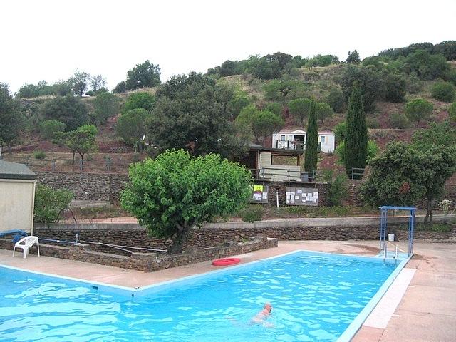 Van Dijk - Le Village du Bosc - Uitzicht Village du Bosc - Lac du Salagou - Zwembad Village du Bosc