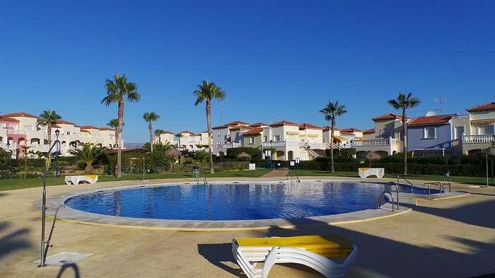 Sunmed Properties, Uw makelaar voor Vera Playa en omgeving - Naturistendomein van Torremar Natura : hoekappartement 1 slaapkamer te koop voor 95.000,00 € Raadpleeg de website www.sunmedproperties2008.com