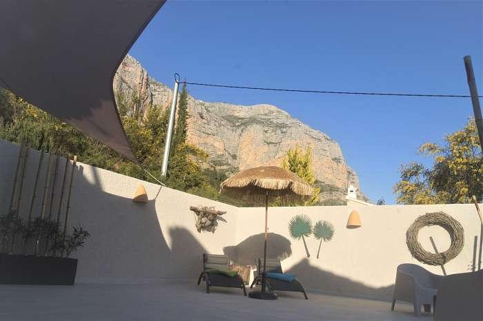 Finca Robusto (7) - Kamer Toro, gereed sinds voorjaar 2021 - Eigen terras kamer Toro. Schitterend uitzicht op de vallei en op de Montgo